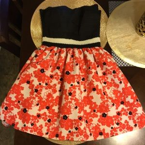 Beautiful strapless mini dress with flowers Size S